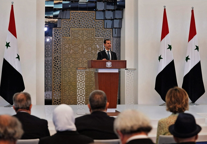 Al-Assad aloittaa jo neljännen seitsemän vuoden toimikautensa vallassa. LEHTIKUVA/AFP