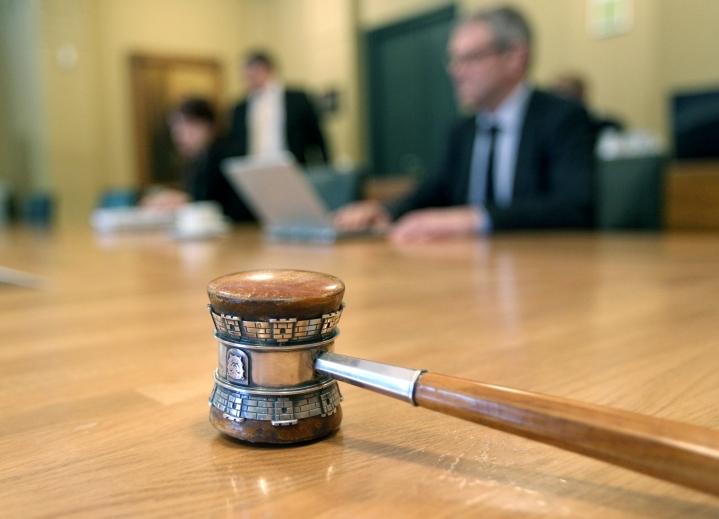 Kuntavaalit pidettiin kesäkuussa, ja uusien kunnanvaltuustojen toimikausi alkaa elokuussa. Parhaillaan kunnissa sovitaan luottamuspaikkajaoista.