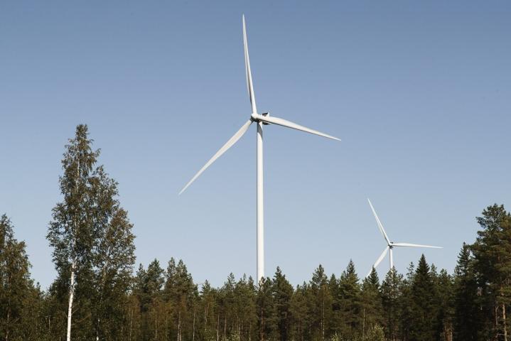 IEA arvioi, että sähkön kysynnän kasvusta vain noin puolet saadaan tyydytettyä uusiutuvalla energialla. LEHTIKUVA / RONI REKOMAA