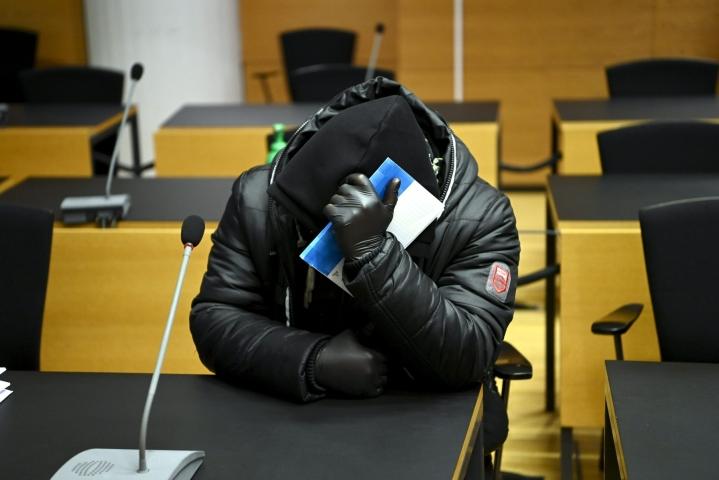 Kuolleeksi väitetyn irakilaismiehen tyttären ex-puoliso Helsingin käräjäoikeudessa tammikuussa. LEHTIKUVA / ANTTI AIMO-KOIVISTO
