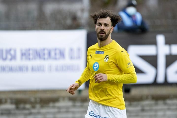 KuPSin puolustaja Diogo Tomas teki 2–2-tasoitusmaalin lisäajalla jalkapallon miesten Konferenssiliigan toisen karsintakierroksen ensimmäisessä ottelussa FC Vorskla Pultavaa vastaan. LEHTIKUVA / Roni Lehti