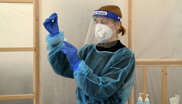 Ranskassa saatetaan heinäkuun loppuun mennessä nähdä koronaviruksen neljäs aalto herkästi tarttuvan deltamuunnoksen leviämisen takia. LEHTIKUVA/AFP