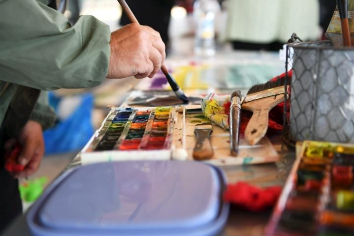 Päivä korostaa kuvataiteen merkitystä ja vahvistaa sen arvostusta suomalaisessa kulttuurielämässä. LEHTIKUVA / LAURA UKKONEN