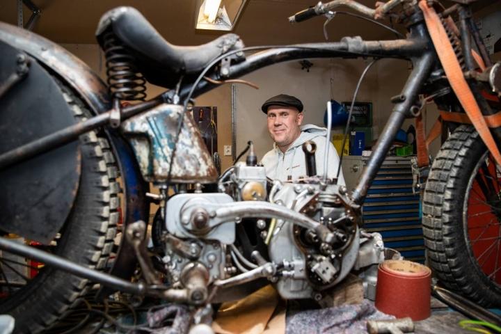 Timo Eronen on tilannut Thaimaasta moottoripyörän osia ja on ollut melko tyytyväinen tullausprosessiin.