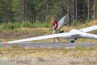 """Joensuulainen Miro Pajarinen, 16, viihtyy purjelentokoneen ohjaimissa - """"Ilmailu on kiinnostanut 5-vuotiaasta asti"""" - katso video lennolta"""
