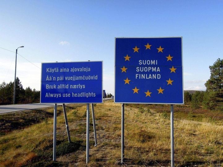 Valtioneuvosto päätti viime viikolla myös, että maanantaista 26. heinäkuuta alkaen Suomeen voivat saapua kaikista maista ihmiset, joilla on esittää todistus saadusta hyväksyttävästä koronarokotussarjasta ennen Suomeen saapumista.