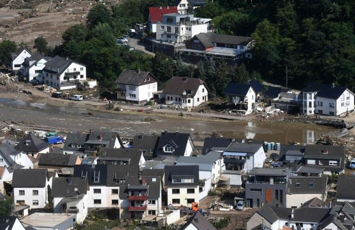 Saksan pahimmilla tulva-alueilla näkymät ovat edelleen lohduttomat. LEHTIKUVA / AFP