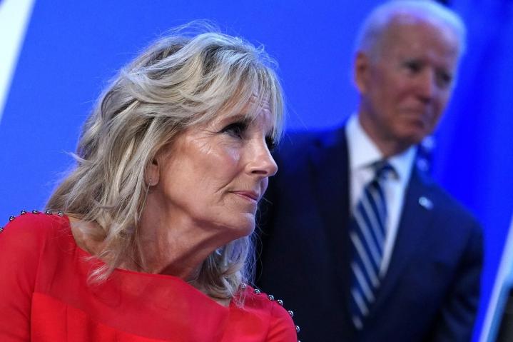 Valkoisesta talosta kerrottiin tiistaina, että ensimmäinen nainen Jill Biden matkustaa vuoden 2021 kesäolympialaisten avajaisseremonioihin. LEHTIKUVA/AFP