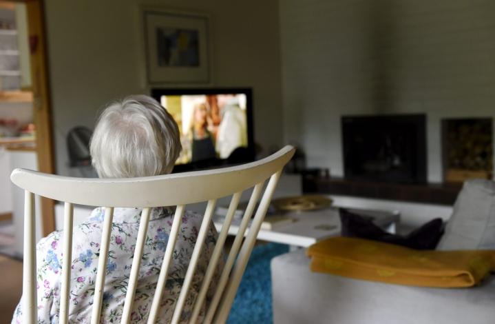 Vanhuksen asunnon myynti tulee usein ajankohtaiseksi silloin, kun vanhus muuttaa hoivakotiin. Lehtikuva / Emmi Korhonen