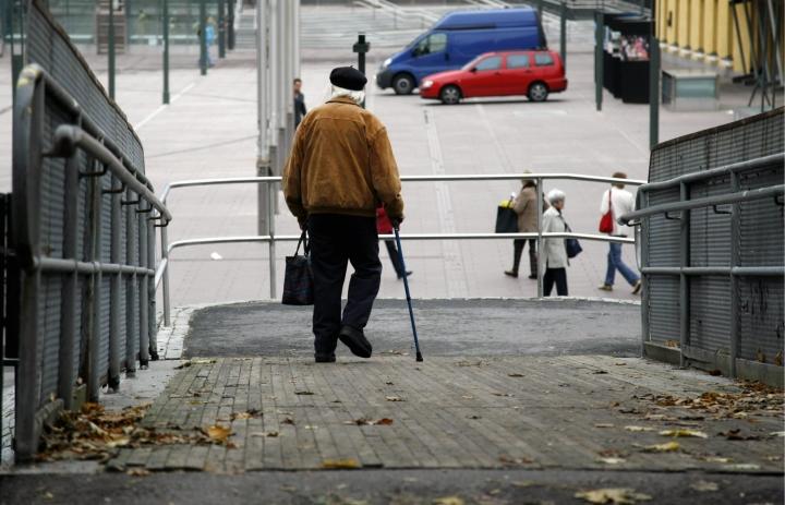 Eläkeiän nostaminen kävisi eläkebarometrin mukaan lähes 30 prosentille suomalaisista. Lehtikuva / Timo Jaakonaho