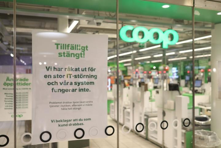 Suljettu Coop-myymälä Tukholmassa. TT / LEHTIKUVA