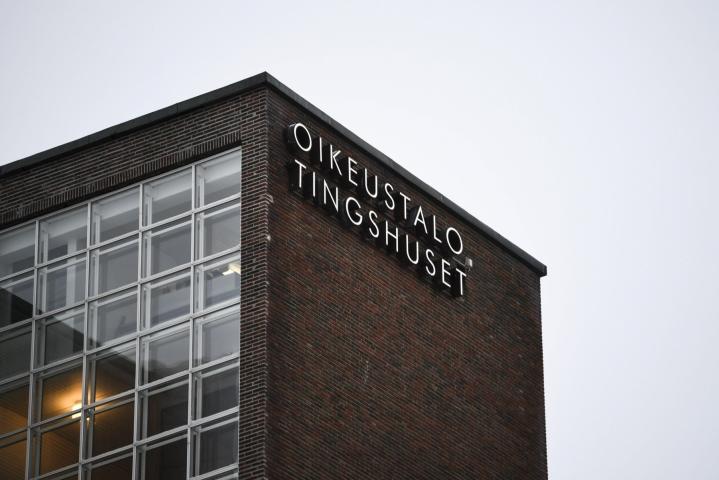 Helsingin käräjäoikeus tuomitsi 16-vuotiaan 6,5 vuoden vankeuteen taposta nuorena henkilönä. LEHTIKUVA / EMMI KORHONEN