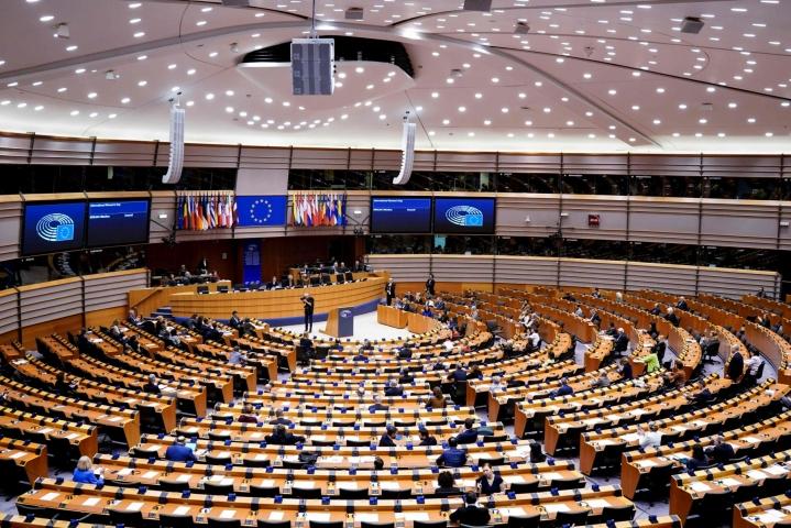 EU-parlamentti on hyväksynyt illalla lain lasten seksuaalista verkkohyväksikäyttöä vastaan. LEHTIKUVA/AFP