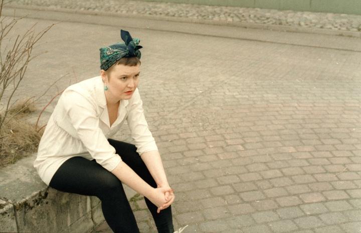 Lavarunoilija Jonna Nummela, eli Nihkee Akka esiintyy Parppeinpirtissä Matelin päivänä. Kuvassa Nummela vuonna 2019.