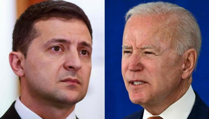 Alun perin Ukrainan presidentti Volodymyr Zelenskyi (vas) oli kutsuttu kylään jo heinäkuussa. Kuvassa oikealla Yhdysvaltain presidentti Joe Biden. LEHTIKUVA/AFP