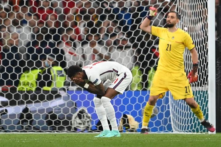 Rashford epäonnistui rangaistuspotkukilpailussa Italiaa vastaan. Lehtikuva/AFP