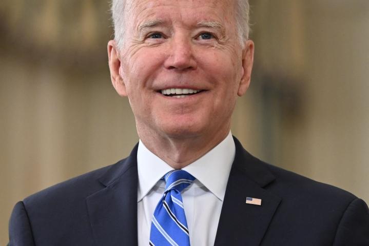Presidentti Joe Biden toivoo, että Facebook keskittyisi kitkemään alustallaan leviäviä vääriä tietoja. LEHTIKUVA / AFP