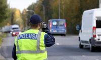 """Tieliikennevalvontaa tekevien poliisien määrä on Itä-Suomessa vähentynyt –""""Enemmän valvontaa saattaisi tarkoittaa turvallisempaa liikennettä"""""""