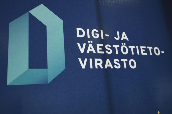 Digi- ja väestötietovirasto (DVV) kertoo lisäävänsä henkilöstöään asiakaspalvelussa. LEHTIKUVA / Markku Ulander