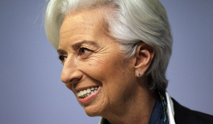 Nopeasti leviävä koronaviruksen delta-variantti voi heikentää toipumista palveluissa, erityisesti matkailussa ja majoituksessa, EKP:n pääjohtaja Christine Lagarde arvioi.  LEHTIKUVA/AFP