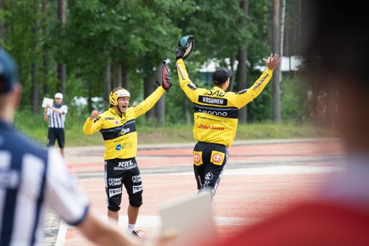 Pattijoen Urheilijat juhli torstaina Mehtimäellä huippulukkarinsa Topi Kososen johdolla.