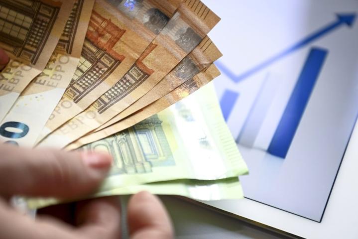Varallisuuden nousua tuki mm. kotitalouksen säästöjen kasvu. Lehtikuva / Emmi Korhonen