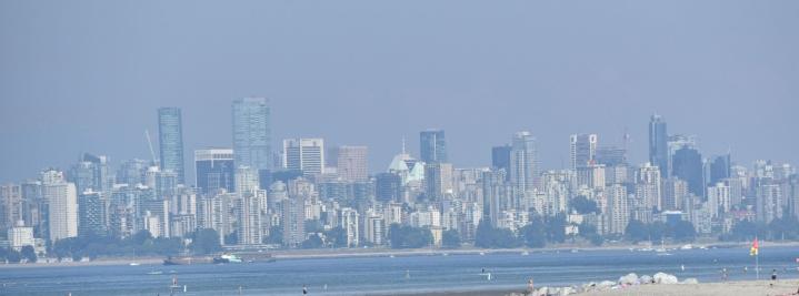 Brittiläisessä Kolumbiassa sijaitseva Vancouver on kärvistellyt kuumassa. Lehtikuva/AFP