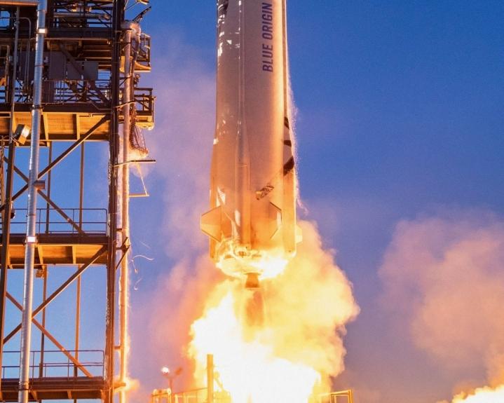 Blue Origin -yhtiön New Shepard -raketti laukaistaan Texasista Suomen aikaa neljältä iltapäivällä. Arkistokuva. LEHTIKUVA / AFP