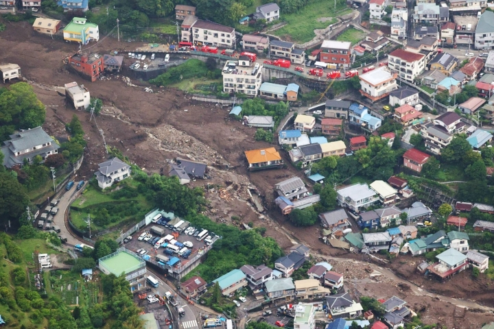 Maanvyöryssä tuhoutui 130 kotia ja muuta rakennusta, ja useiden ihmisten on vahvistettu kuolleen. Lehtikuva/AFP