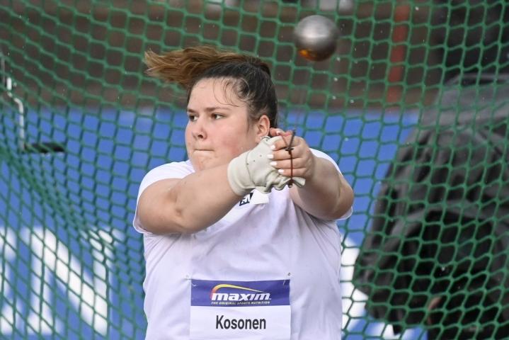 Silja Kosonen on tällä kaudella heittänyt alle 20-vuotiaiden ME-tulokseen (73,43).  LEHTIKUVA / VESA MOILANEN