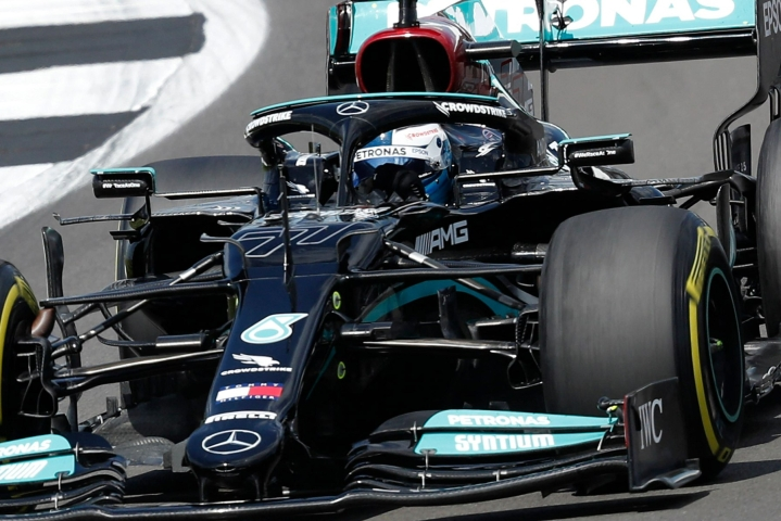 Viimeiselle jaksolle selviytyi Silverstonessa kymmenen nopeinta. LEHTIKUVA/AFP