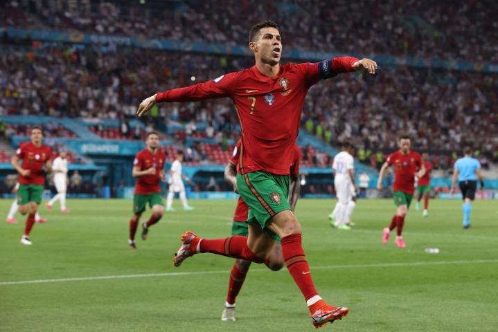 Cristiano Ronaldo on jatkamassa Juventuksessa. LEHTIKUVA/AFP