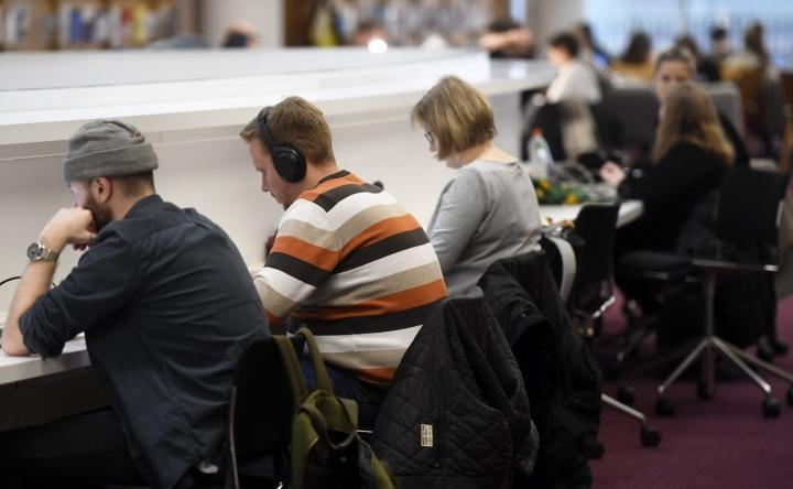 Suomen ylioppilaskuntien liitto (SYL) vaatii ikuisen opinto-oikeuden palauttamista takaisin yliopisto-opiskelijoille. LEHTIKUVA / Vesa Moilanen
