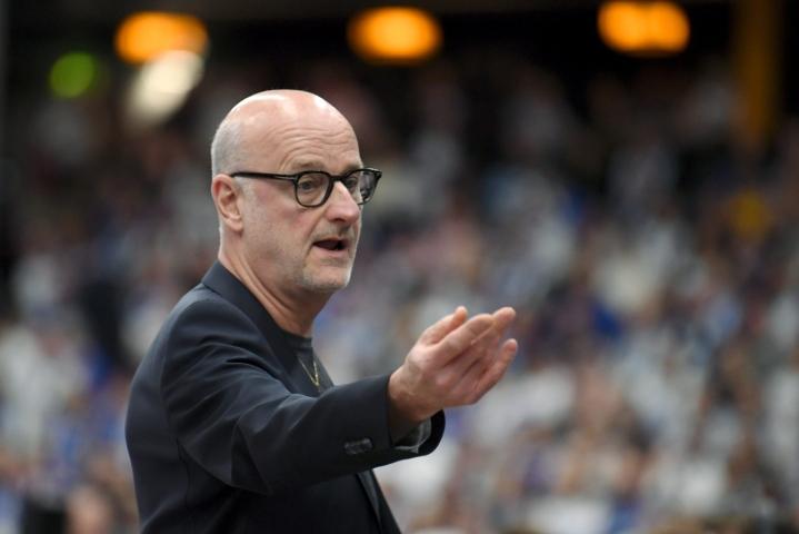 Henrik Dettmannin luotsaama Suomen koripallomaajoukkue osallistuu neljän maan turnaukseen Japanissa. LEHTIKUVA / Jussi Nukari