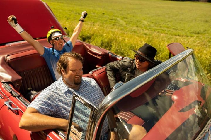 Sami Hedberg, Aku Hirviniemi ja Jaajo Linnonmaa palaavat rooleihinsa reissaavana kolmikkona.