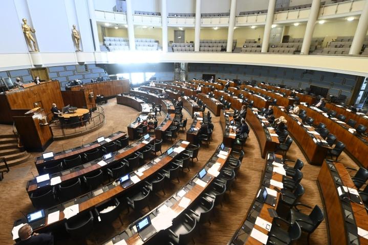 Torstaina pidettiin eduskunnan viimeinen kyselytunti ennen kesän istuntotaukoa. LEHTIKUVA / VESA MOILANEN
