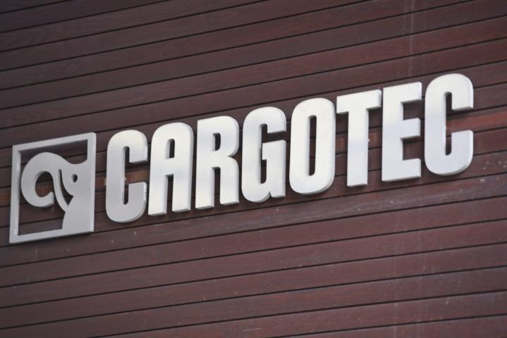 Kahden suuren suomalaisen konepajayhtiön Cargotecin ja Konecranesin kaavailema yhdistyminen joutuu EU:n kilpailuviranomaisen tarkempaan arviointiin. LEHTIKUVA / Heikki Saukkomaa