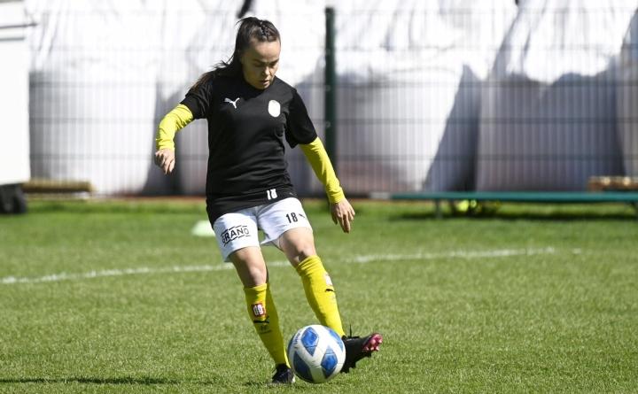Palloliiton tilastojen mukaan Neea Bergillä on takanaan 261 pääsarjaottelua ja tehtynä viisi maalia.  LEHTIKUVA / VESA MOILANEN