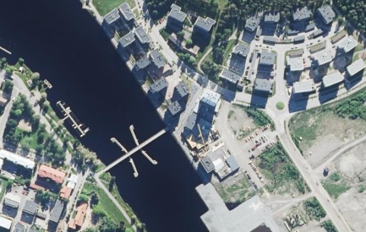Tuoreessa vuoden 2021 kuvassa Penttilänrannan asuinalue alkaa kukoistaa. Tilaa on vielä runsaasti uusillekin taloille.
