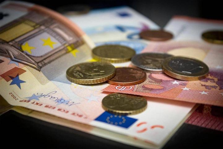 Suomalaiset tyrmäävät eläkkeiden leikkaukset keinona turvata eläkejärjestelmän rahoitus.