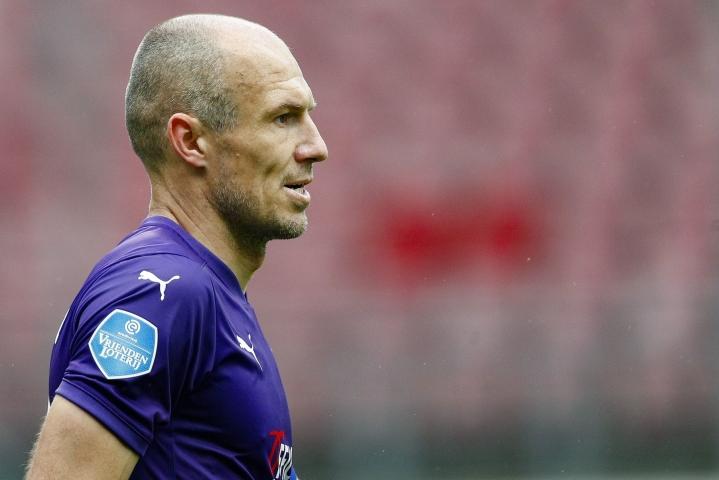 Robben sanoo, että järki ja tunteet vetivät päätöksessä eri suuntiin. LEHTIKUVA/AFP