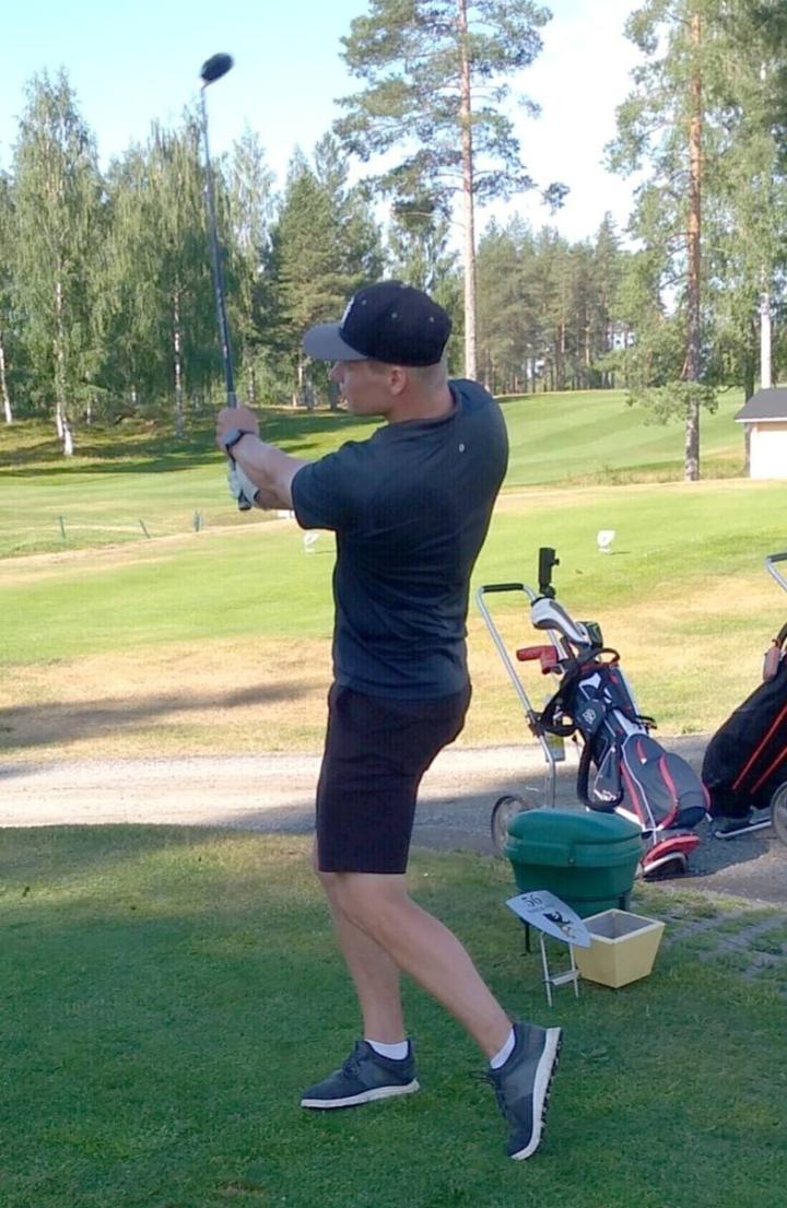 Tapahtumassa oli mukana KHL-pelaaja Miro Aaltonen.
