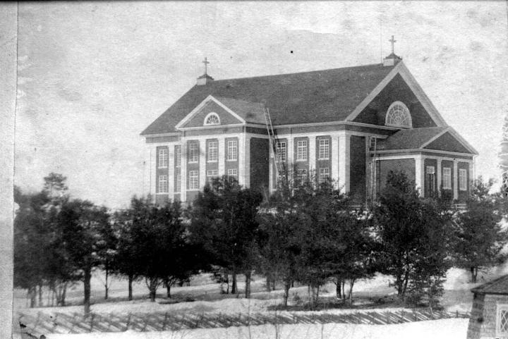 Nurmeksen neljäs kirkko vuonna 1888 otetussa valokuvassa.