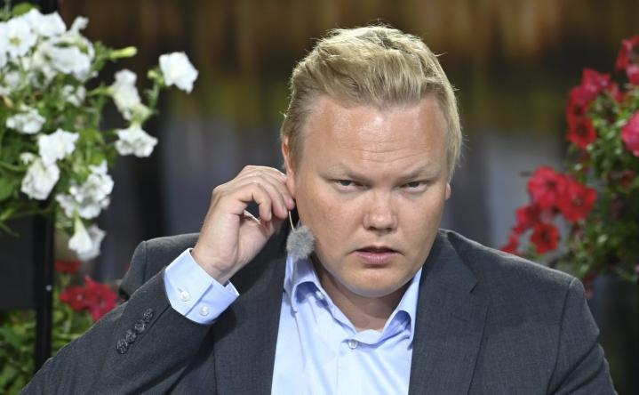 Tiede- ja kulttuuriministeri Antti Kurvinen osallistui Suomi Areenan tilaisuuteen. LEHTIKUVA / HEIKKI SAUKKOMAA