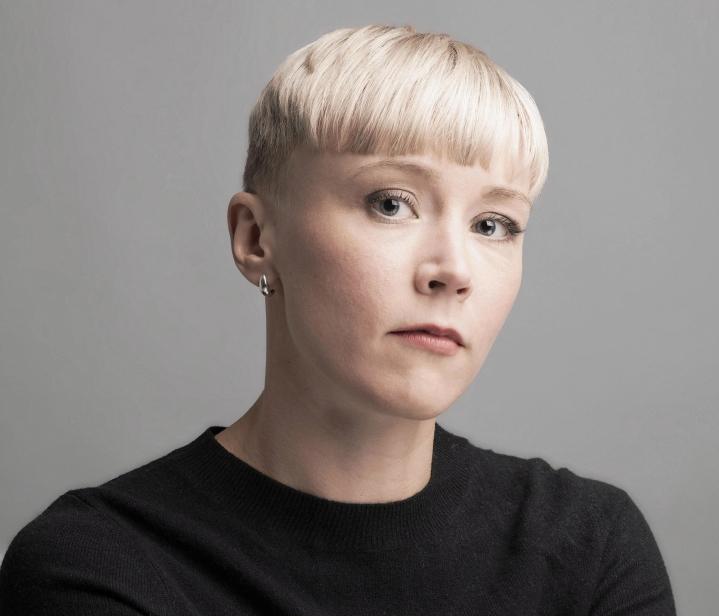 Sanna Puutonen voitti J.H. Erkon kirjoituskilpailun vuonna 2018.