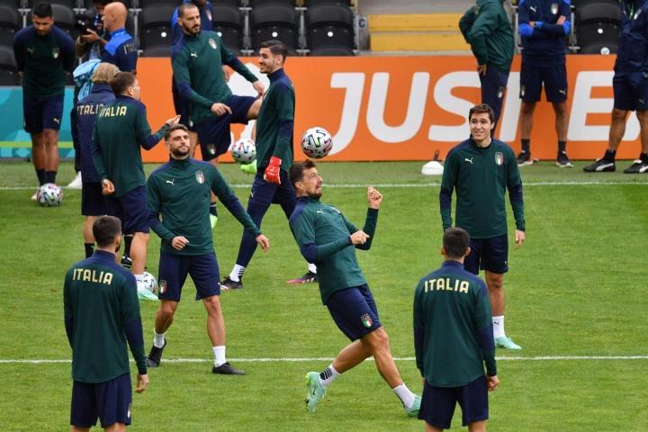 Italia on voittanut kisoissa kaikki viisi otteluaan. LEHTIKUVA/AFP