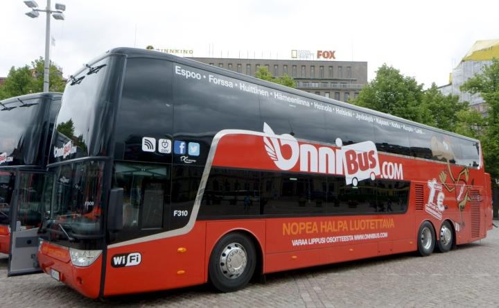 Kotimaan sisäisillä pitkillä matkoilla Helsingistä Kuopioon, Ouluun ja Rovaniemelle Onnibusin liput olivat STT:n vertailussa halvin matkustusmuoto. LEHTIKUVA / Markku Ulander