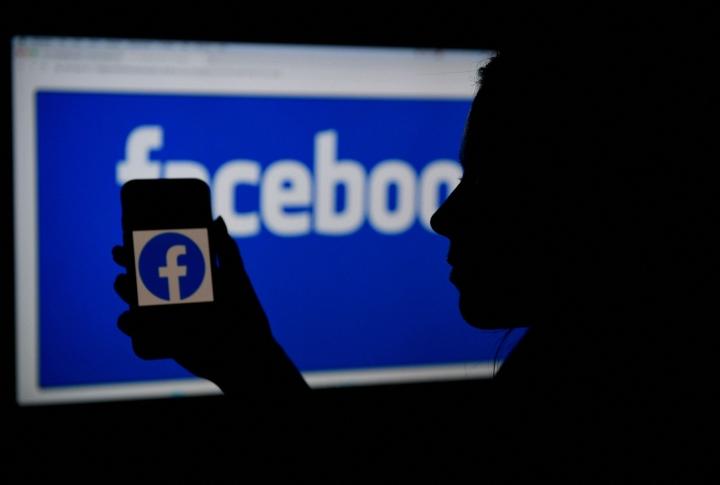 Facebookin käyttäjämäärä kasvoi vuoden takaisesta seitsemällä prosentilla 2,9 miljardiin käyttäjään. LEHTIKUVA/AFP