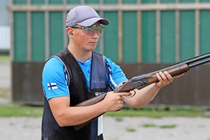 Kontiolahdelta lähtöisin oleva Lari Pesonen on mukana skeetissä Tokion olympialaisissa.