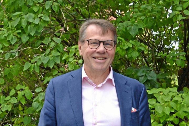 Sote-uudistuksessa ennallaan säilyvien maakuntien liittojen ja uusina toimijoina aloittavien hyvinvointialueiden yhdistämisestä tulee jatkossa vaatimuksia, arvioi maakuntajohtajien yhteiselimen puheenjohtaja, Varsinais-Suomen maakuntajohtaja Kari Häkämies.